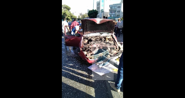 3 إصابات في حادث تصادم بشارع المدينة الرياضية