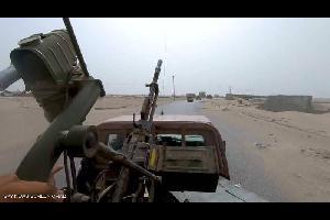 تستعد القوات اليمنية المشتركة لتحرير مدينة زبيد في محافظة الحديدة الساحلية غربي اليمن، في وقت تواصل فيه مقاتلات التحالف العربي استهداف ميلشيات الحوثي
