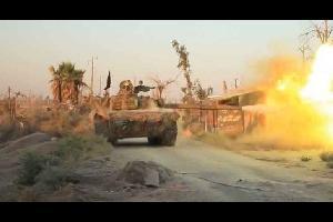 مقتل 28 مدنيا في غارة جوية على دير الزور