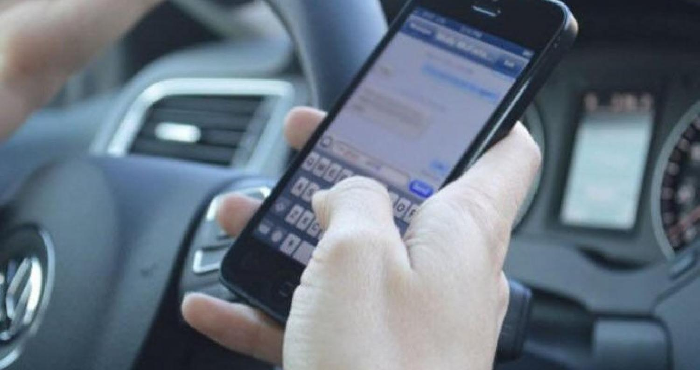 الأمن يبدأ حملة لضبط مخالفات مستخدمي الهواتف أثناء القيادة
