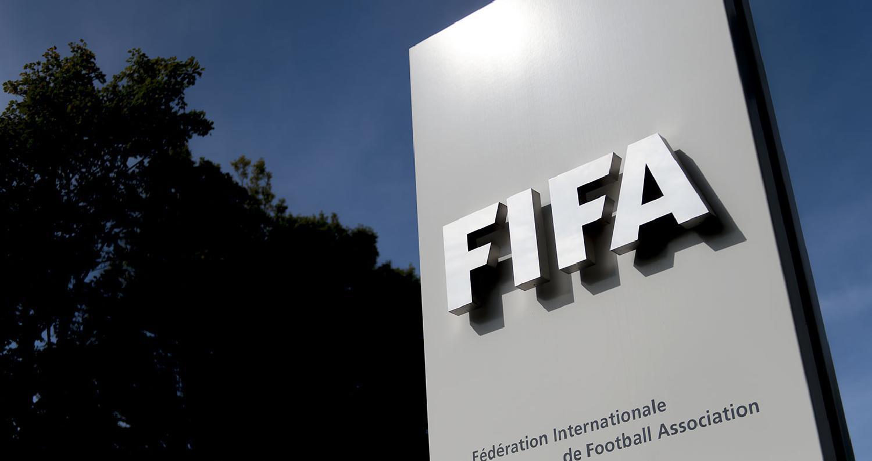 """الفيفا تغرم المنتخبين السويدي والكرواتي بسبب """"جوارب"""""""
