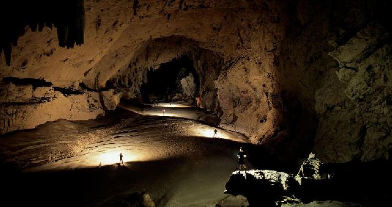 العثور على كهف في شبه جزيرة القرم