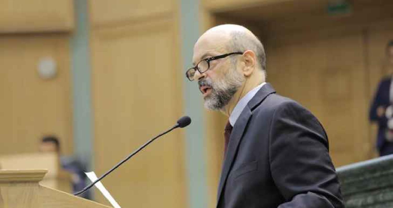 نواب يطالبون زملائهم بمنح الثقة لحكومة الرزاز