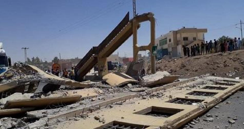 سقوط جسر مشاه على الطريق الصحرواي في منطقة ضبعه