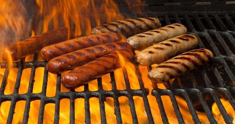 كشفت دراسة جديدة أجرتها كلية الطب بجامعة جون هوبكنز أن تناول اللحوم المصنعة ارتبط بزيادة مخاطر نوبات الهوس والانفعال غير الطبيعي.