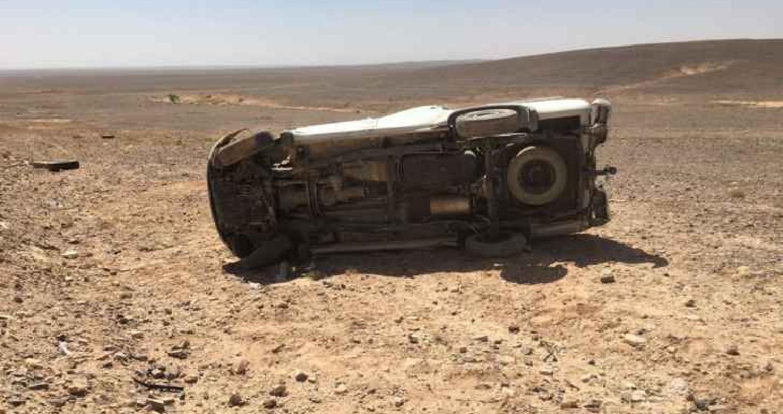 أصيب 5 أشخاص إثر حادث تدهور مركبة على طريق الأزرق في محافظة الزرقاء، وفق مصدر طبي.