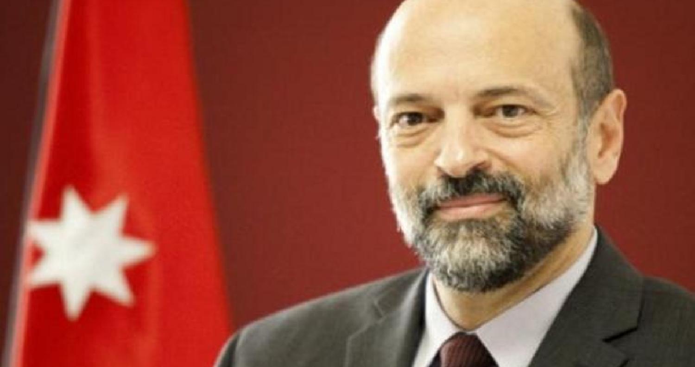 فازت حكومة رئيس الوزراء الدكتور عمر الرزاز بثقة مجلس النواب بحصولها على ثقة ( 79 ) نائبا، فيما حجب الثقة (42 )نائبا وامتنع عن التصويت نائبان، وغاب ستة