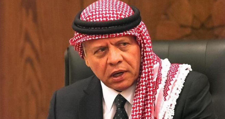 الملك يعزي عشيرتي أبو الغنم والقيسي في مادبا