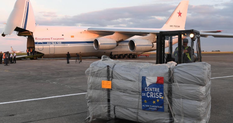 أعلنت وزارة الدفاع الروسية، اليوم السبت 21 يوليو/ تموز، أن طيران النقل العسكري الروسي، أوصل 44 طنا من المساعدات الإنسانية المقدمة من فرنسا إلى سوريا