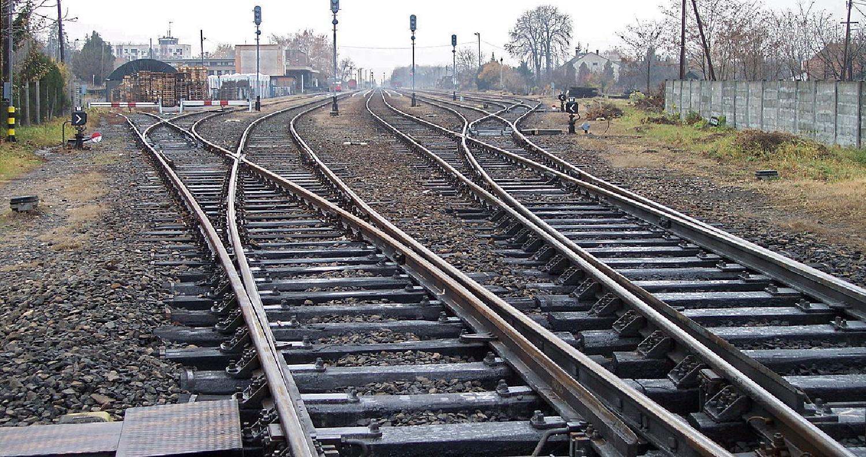 الصين تنجز سكة حديد بثلاثة ساعات ونصف