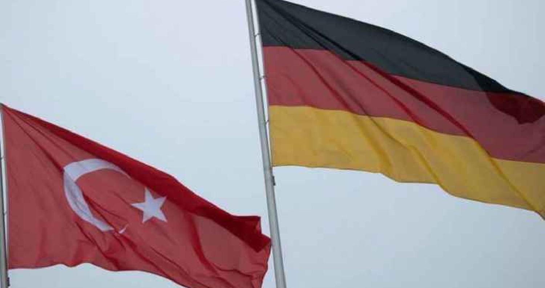 رفعت برلين عقوبات اقتصادية رمزية كانت فرضتها على تركيا منذ عام، حسب ما أكدت وزارة الاقتصاد الألمانية السبت لوكالة فرنس برس، كما تم خفض التوصيات