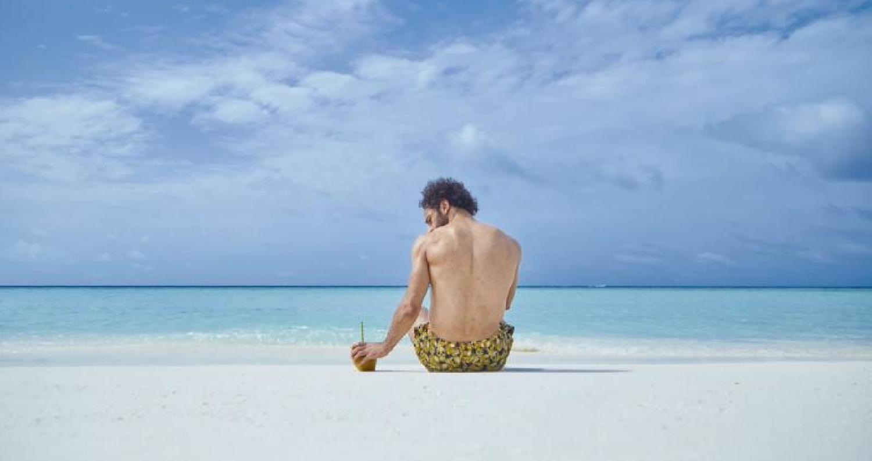 تعتبر جزر المالديف من المناطق السياحية الأكثر هدوءً وسحرًا لقضاء إجازة سعيدة بعيدة عن ضغط المدن، حيث يحتضن المحيط الهندى تلكالجزروذلك بالقرب من الهن