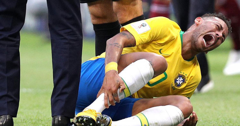 """دافع النجم البرازيلي نيمار عن اتهامات الكثيرين له بالمبالغة في """"التمثيل"""" أثناء الوقوع خلال مباريات مونديال روسيا"""
