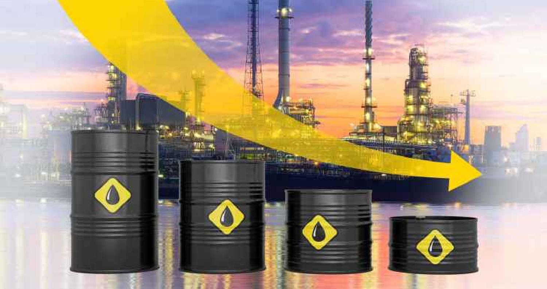 تراجعت أسعار النفط، الاثنين، مع تزايد المخاوف بخصوص الطلب على الوقود بعدما حذر وزراء مالية ومحافظو البنوك المركزية بدول مجموعة العشرين من تزايد المخاط