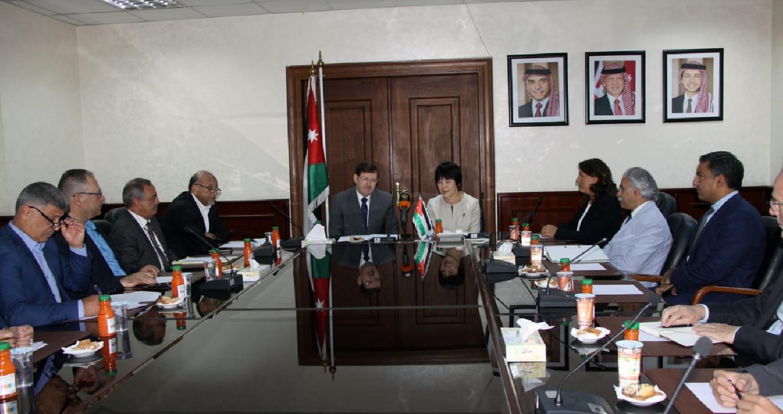 وقع وزير الصحة الدكتور محمود الشياب ومساعد مدير عام منظمة الصحة العالمية الدكتورة نوكو ياماموتو ميثاق الشراكة الصحية الدولية للتغطية الصحية الشاملة بح