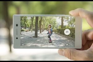 """نشر موقع """"سبوتنيك"""" تقريرا، عن بدء شركات عديدة متخصصة في تصنيع الهواتف الذكية في تبني فكرة """"جزيرة الكاميرا""""، والتي ستعد نقلة كبيرة ستغير من طريقة استخد"""